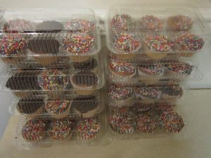 12 pc.- 6 compartment Cupcake Containers with Hinged Lid